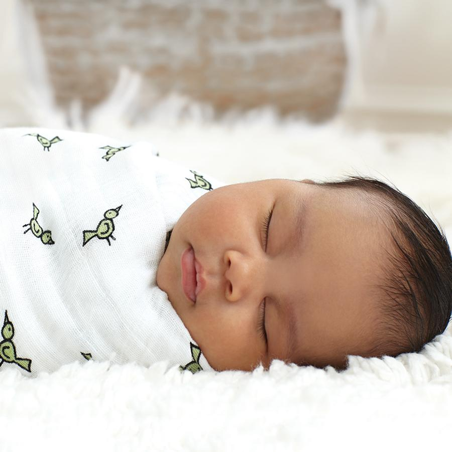 swaddle-muslin-baby-sleep-birds