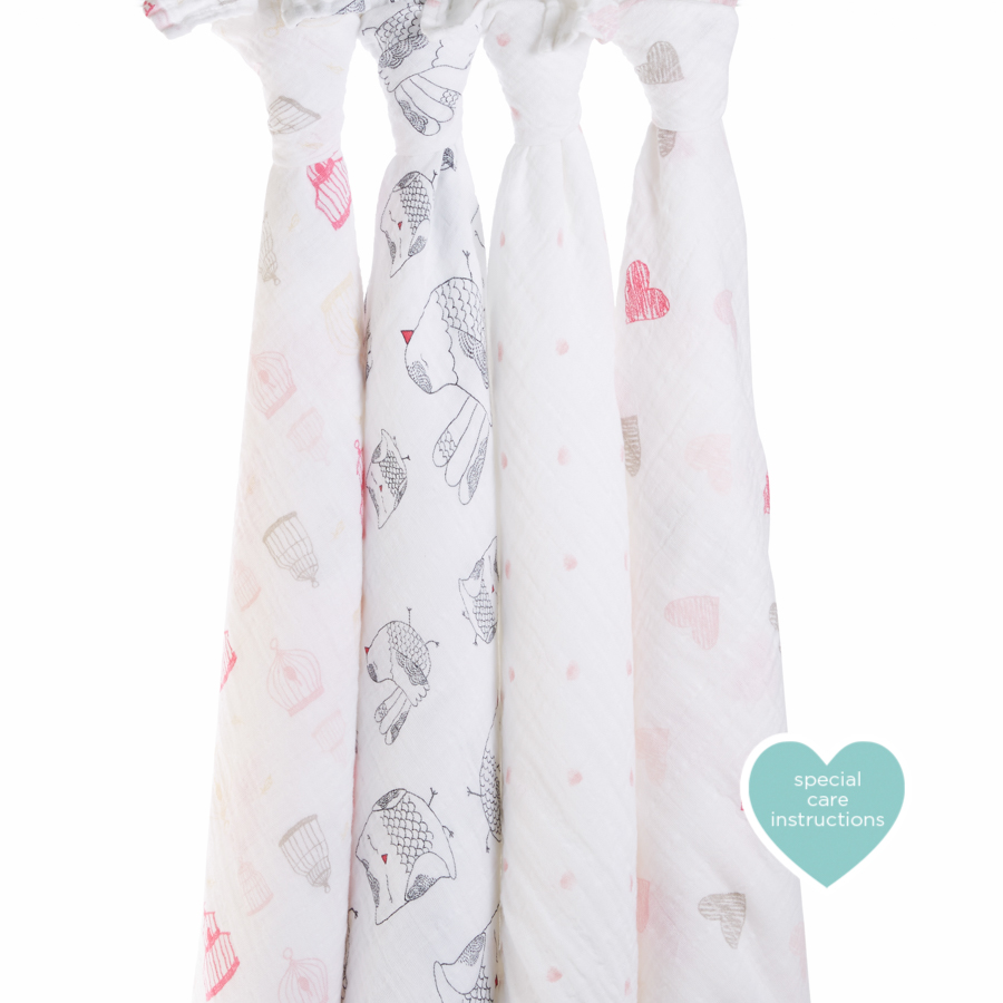 classic-swaddle-lovebird