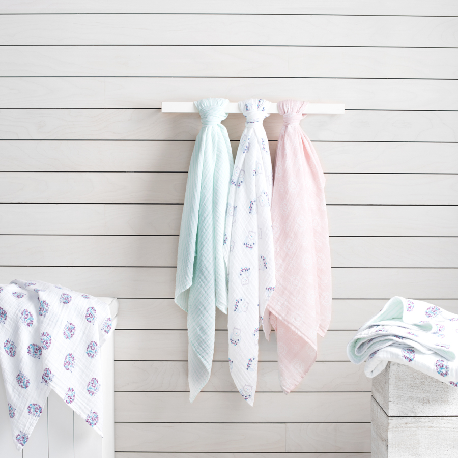 classic-swaddle-thistle-hanging