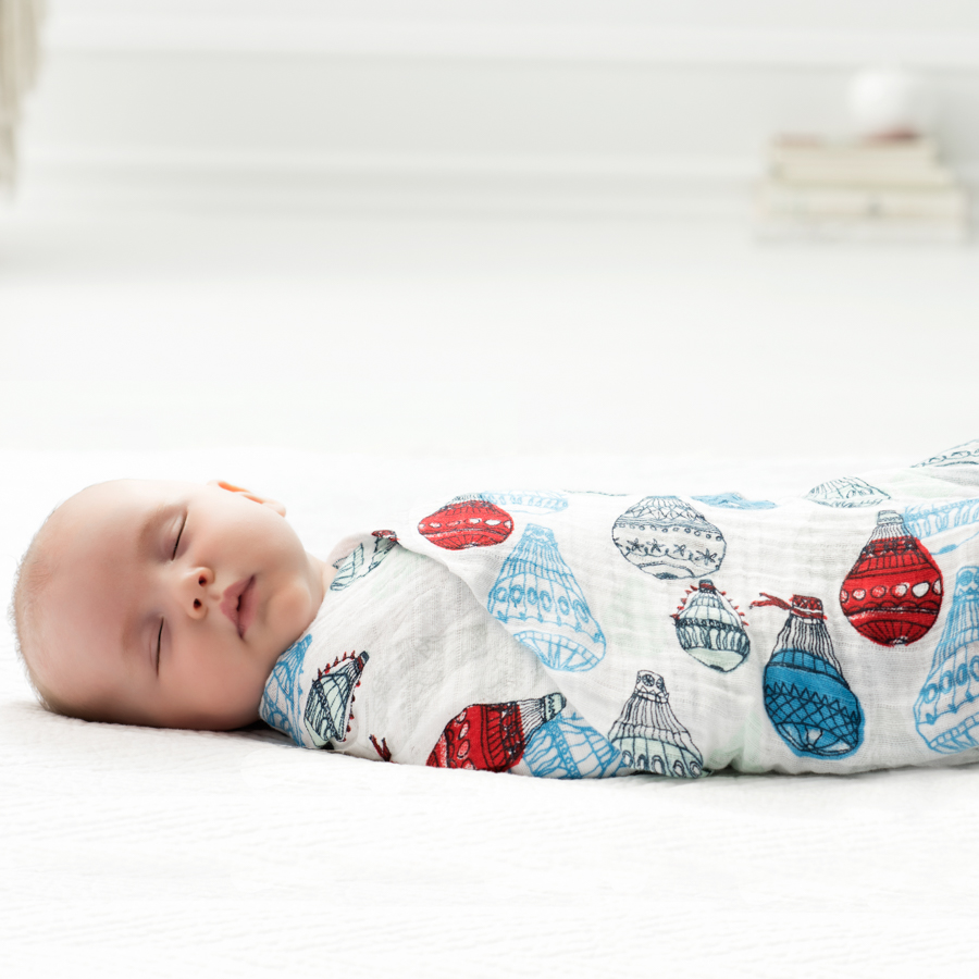 muslin-swaddle-balloon-blue-red