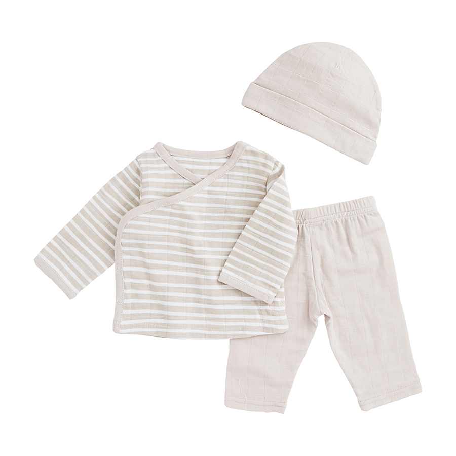 muslin-baby-clothing-newborn-set-tan-stripe
