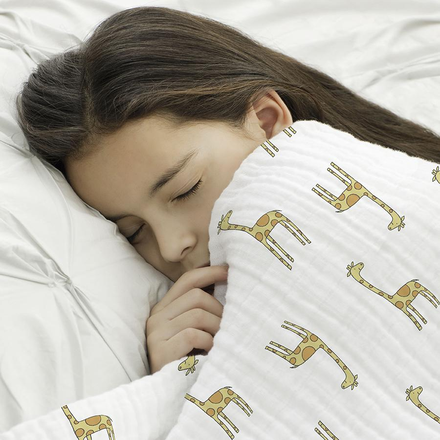baby-blanket-muslin-girl-sleep