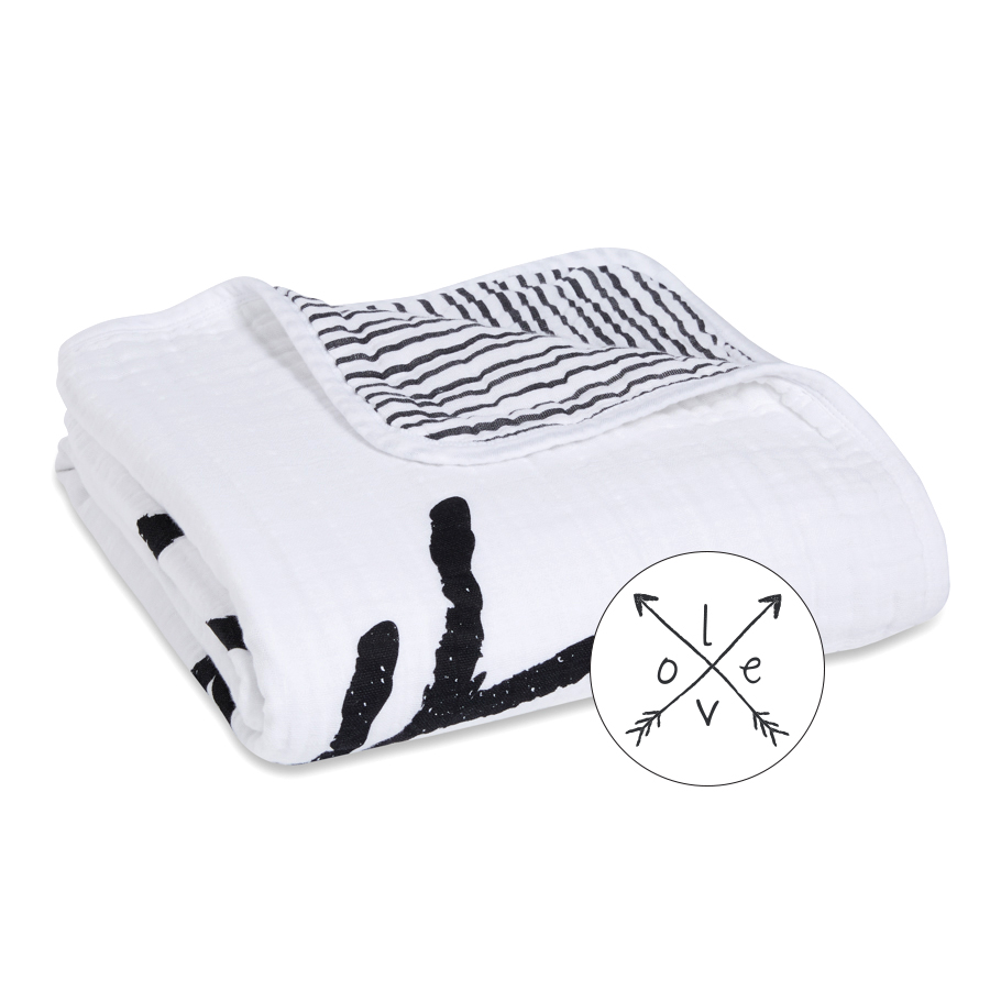 muslin-baby-blanket-black-white-love