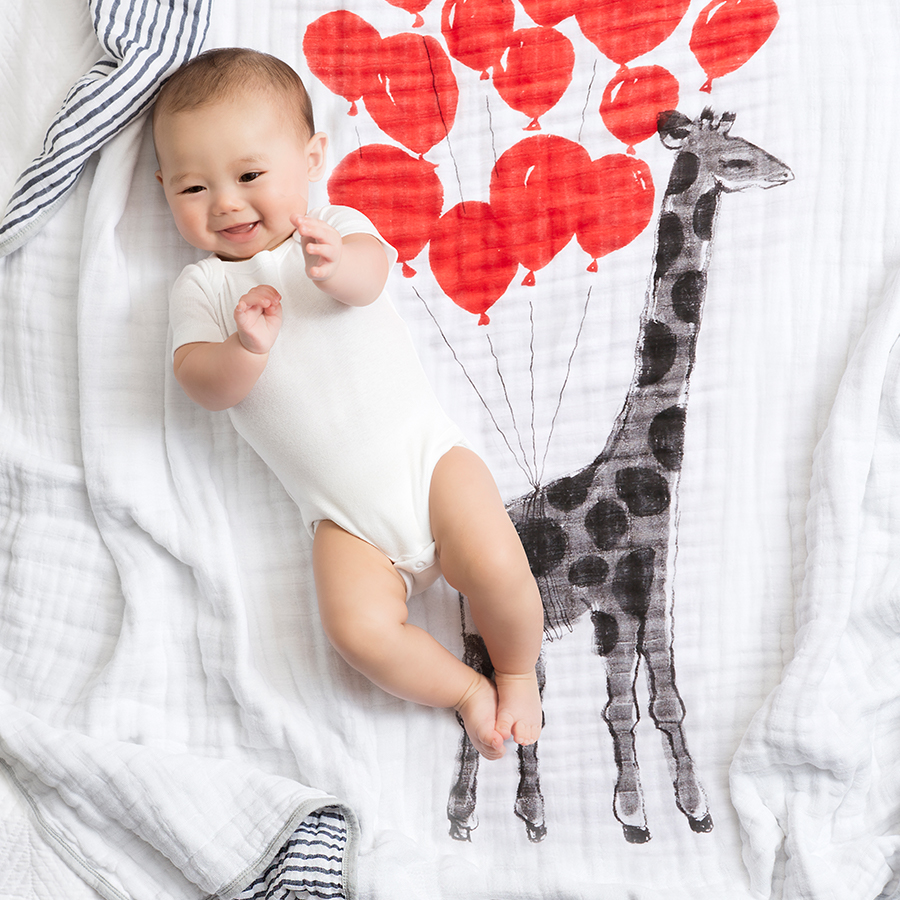 baby-blanket-muslin-giraffe-red-balloon-stripe