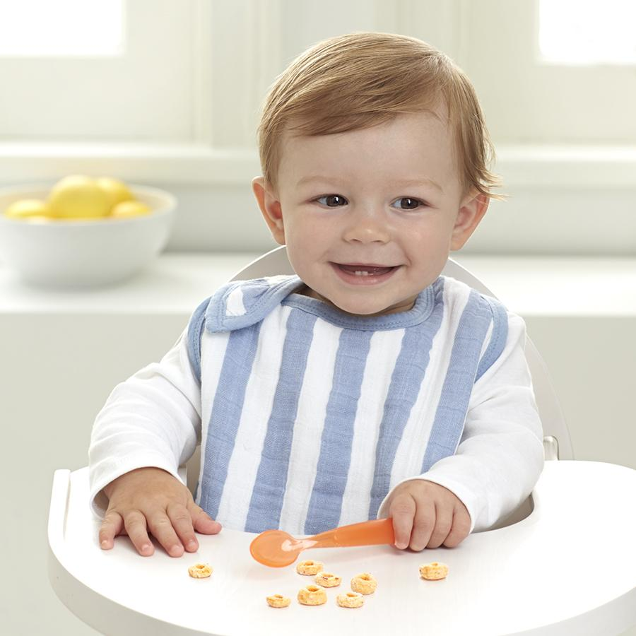 bib-muslin-snap-baby-eat-blue-stripes