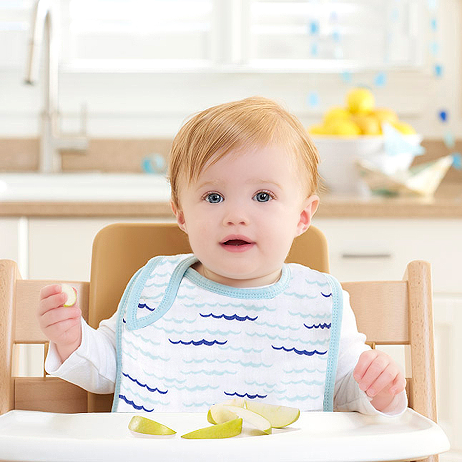 bib-muslin-snap-baby-eat-blue-waves