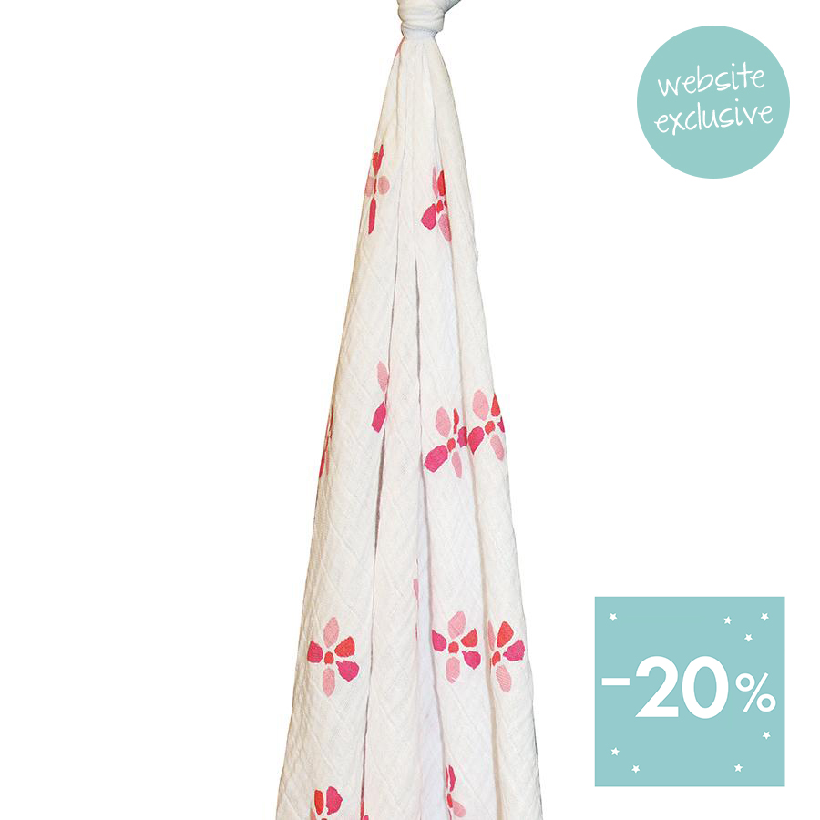 swaddle-muslin-organic-pink-flowers-hang