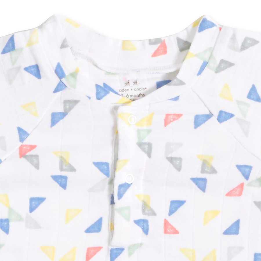 henley-t-shirt-triangles