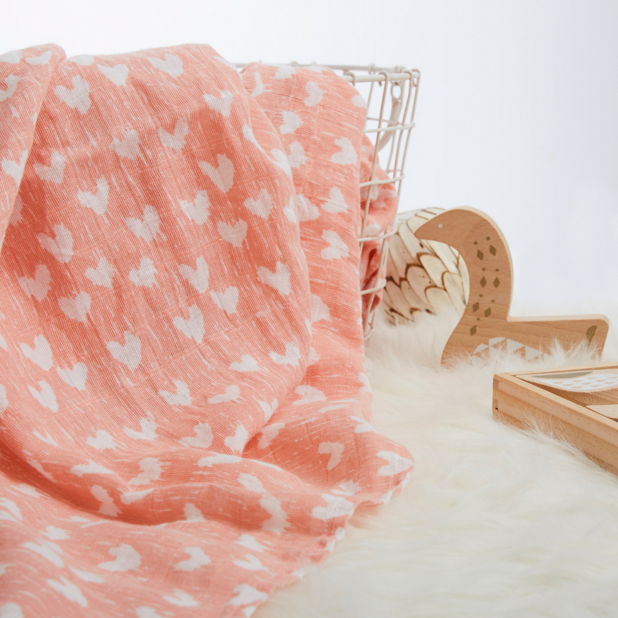 muslin-swaddle-blanket-pink-white-hearts