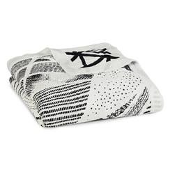 baby-blanket-muslin-silky-soft-black-white
